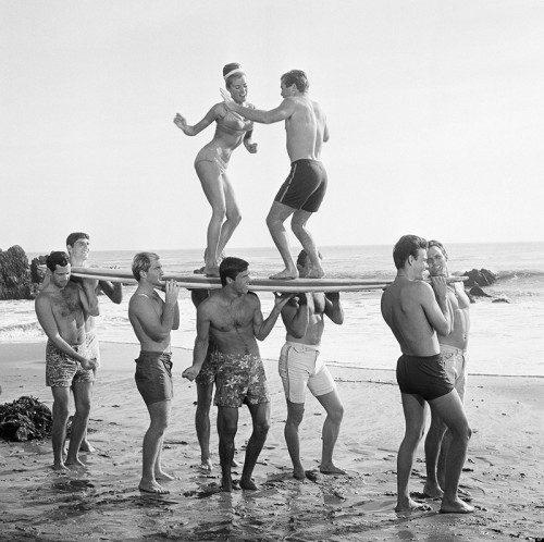 surfing-dance-black-and-white-vintage-man-repeller